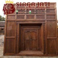 Pintu-Gebyok-Antik-Patangaring-Jati