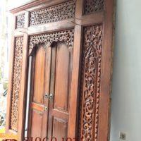 Pintu-Gebyok-Antik-Ukir-Jati