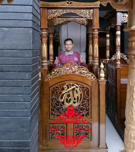Mimbar-Masjid-Kubah-Jati-Full-Seni-Ukir-Asli-Kab-Jepara-Jawa-Tengah