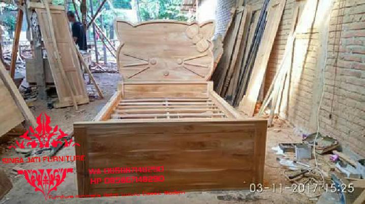 Centra-Dipan-Tempat-Tidur-Minimalis-Singa-Jati-14