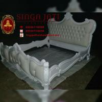 Tempat Tidur Racoco Minimalis Mewah Warna Putih