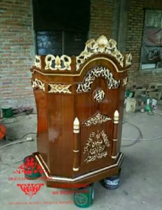 Harga-Mimbar-Masjid-Minimalis-Sederhana-Ukiran-Kaligrafi-04