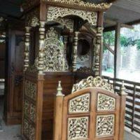 Mimbar-Masjid-Kunah-Pintu-Samping-Ukiran-Jepara