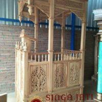 Mimbar-Masjid-Pintu-Samping-Meja-Kothib