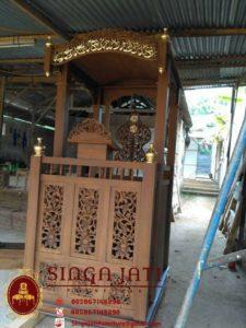 Model-Mimbar-Masjid-Pintu-Samping-Terbaru-Meja-Kaligrafi-