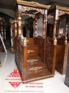 Mimbar-Masjid-Atap-Kubah-Pintu-Depan