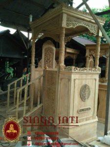 Mimbar-Masjid-Atap-Kubah-Tingkat