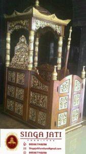 Mimbar-Masjid-Atap-Kubah-Ukiran-Kaligrafi-Pintu-Depan-01