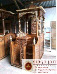 Mimbar-Masjid-Malang-Atap-Kubah-Ukiran-Kaligrafi
