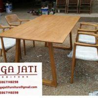 Kursi Kafe Scandinavia Minimalis Elegan Kayu Jati