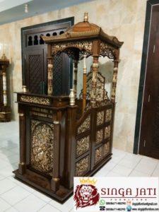Mimbar-Masjid-Kubah-Ukir