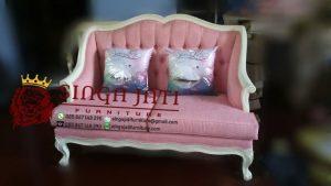 Sofa-Minimalis-Untuk-Ruang-Tamu-Kecil-01