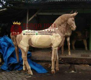 patung-Kuda-Kayu