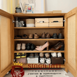 Rak-Sepatu-Rotan